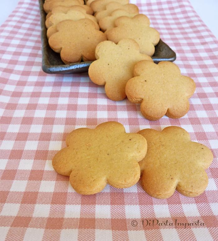 Di Pasta Impasta Biscotti Semplici Di Kamut Senza Lattosio