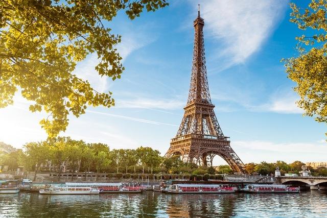 Paris, kota yang juga indah sungainya (aliexpress.com)