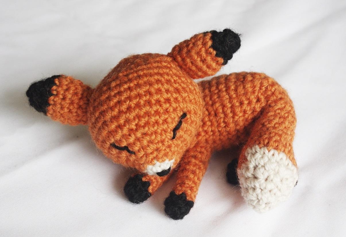 The Sleepy Fox – Pattern Crochet – Cute Crochet   Crocheted fox ...   825x1205