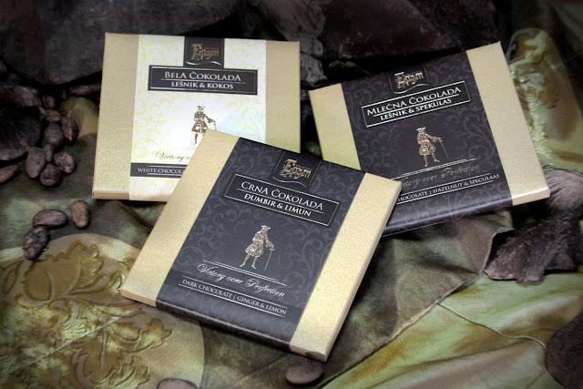 Različite vrste čokolade (crna, bela, sa đumbirom i limunom, lešnikom i kokosom, spekulasom)