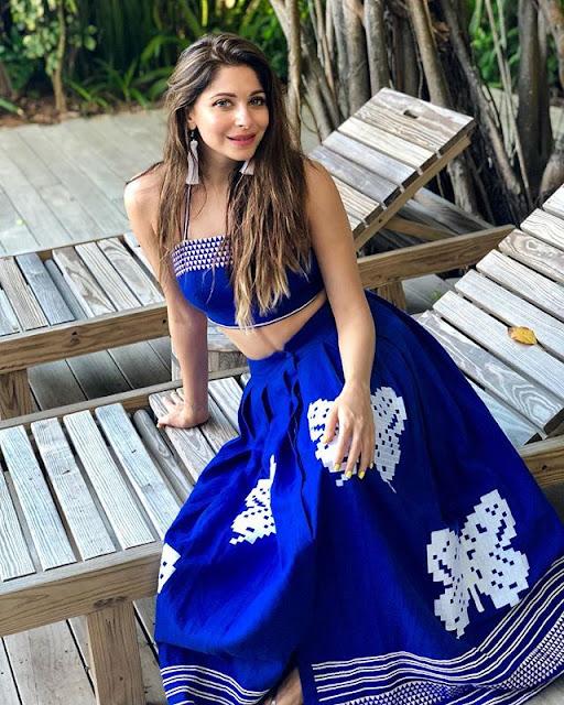 Kanika Kapoor Appearance