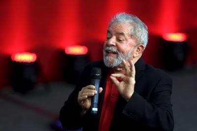 """Receita tira isenção fiscal do Instituto Lula por """"desvio de finalidade"""""""