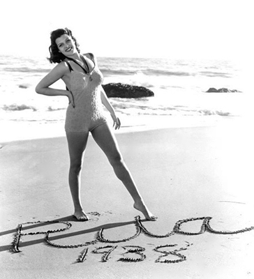 http://summers-in-hollywood.tumblr.com/post/148740245852/rita-hayworth-posing-at-the-beach-1938