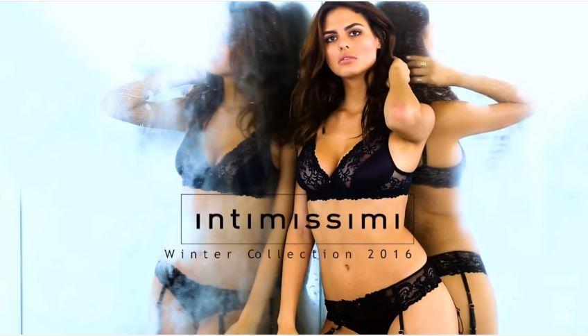 Canzone Intimissimi pubblicità Modella in vestaglia da notte - Musica spot Novembre 2016