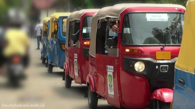 Beroperasinya kendaraan roda tiga di Bekasi