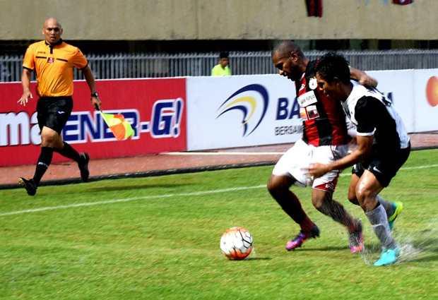 Persipura Jayapura vs PSM Makassar