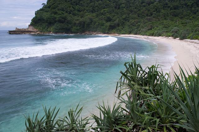Wisata Pantai Sanggar di Tulungagung