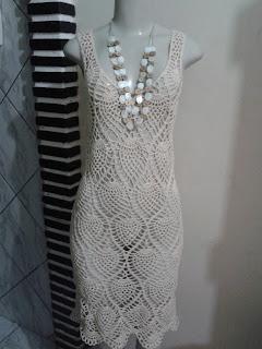 5ba5645a9 ... um belo vestido...a cliente fica com duas boas opções pois o ponto  abacaxi é muito usado pelas artistas do mundo todo...faça parte desse  estilo...tente ...