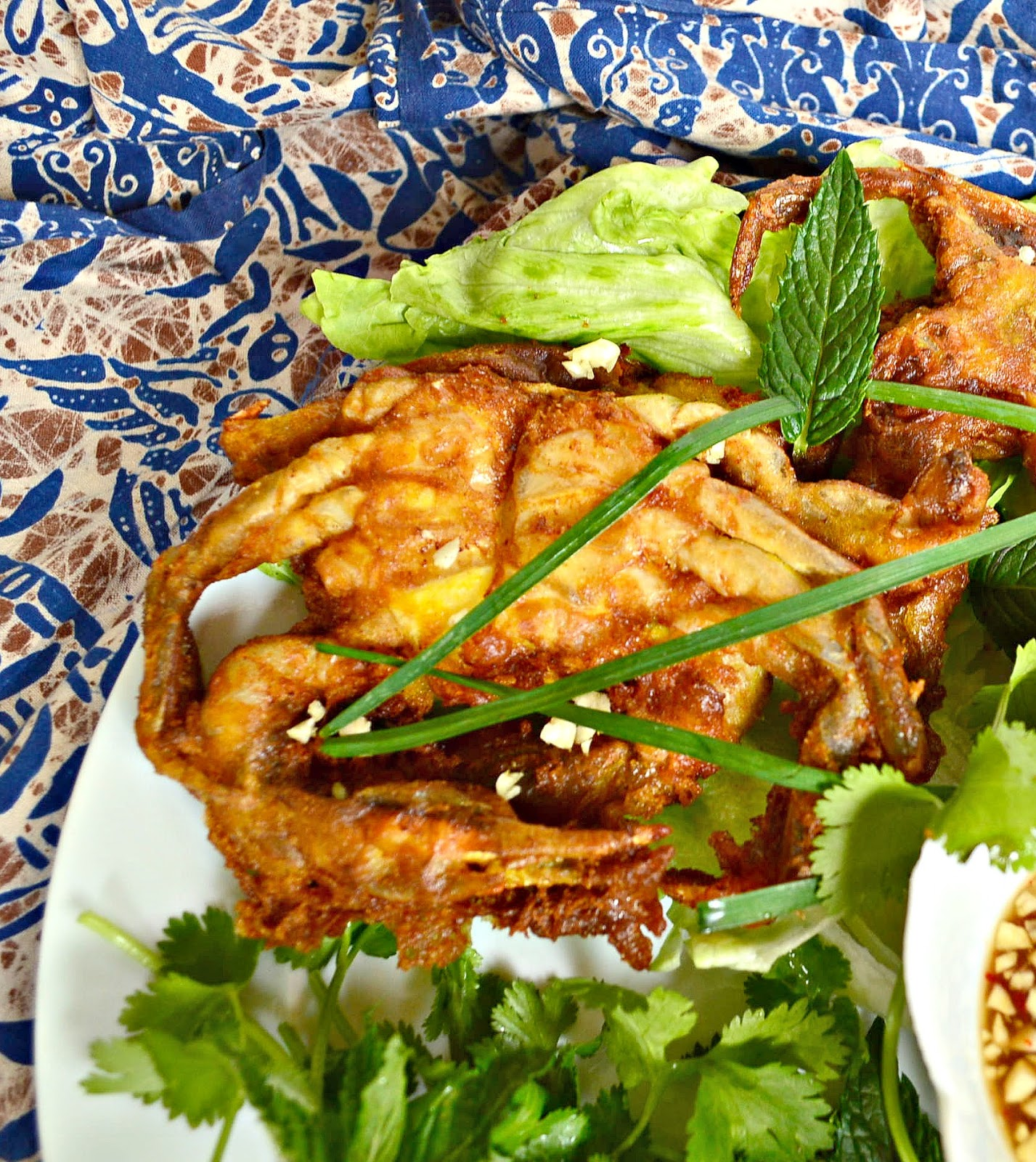 This beer batter makes a perfectly crunchy and light crust on these Vietnamese soft shell crabs. I love this recipe and use it every time I can get my hands on these! #softshellcrabs #seafood #Vietnameserecipes www.thisishowicook.com