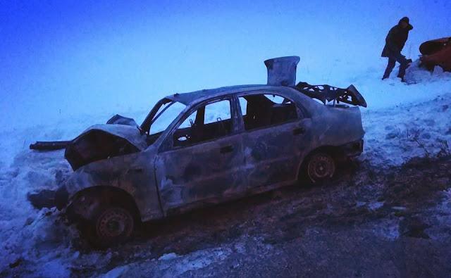 После столкновения иномарка загорелась.