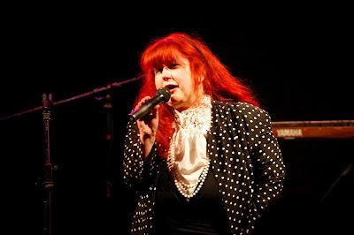 Rona Topaz singer at Women in Sisterhood May Event