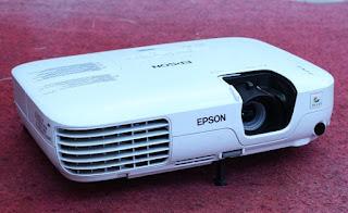 Di Jual Proyektor 2nd Epson EB - S7 Bekas
