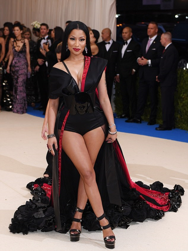 Nicki Minaj Rocks H&M Gown To Met Gala and stole the night