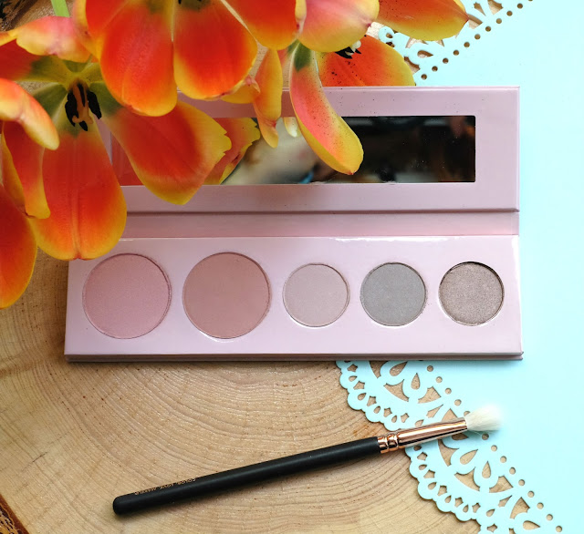 100% Pure's Fruit Pigmented Pretty Naked Palette