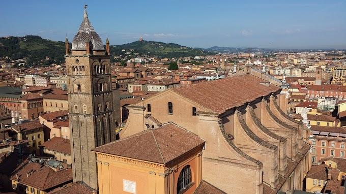 De ruta por Bolonia, Italia