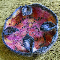 Tutorial for making a folded wet felted bowl https://www.etsy.com/shop/glassbead?ref=seller-platform-mcnav&section_id=19020254