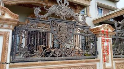 harga railing tangga besi tempa untuk rumah mewah