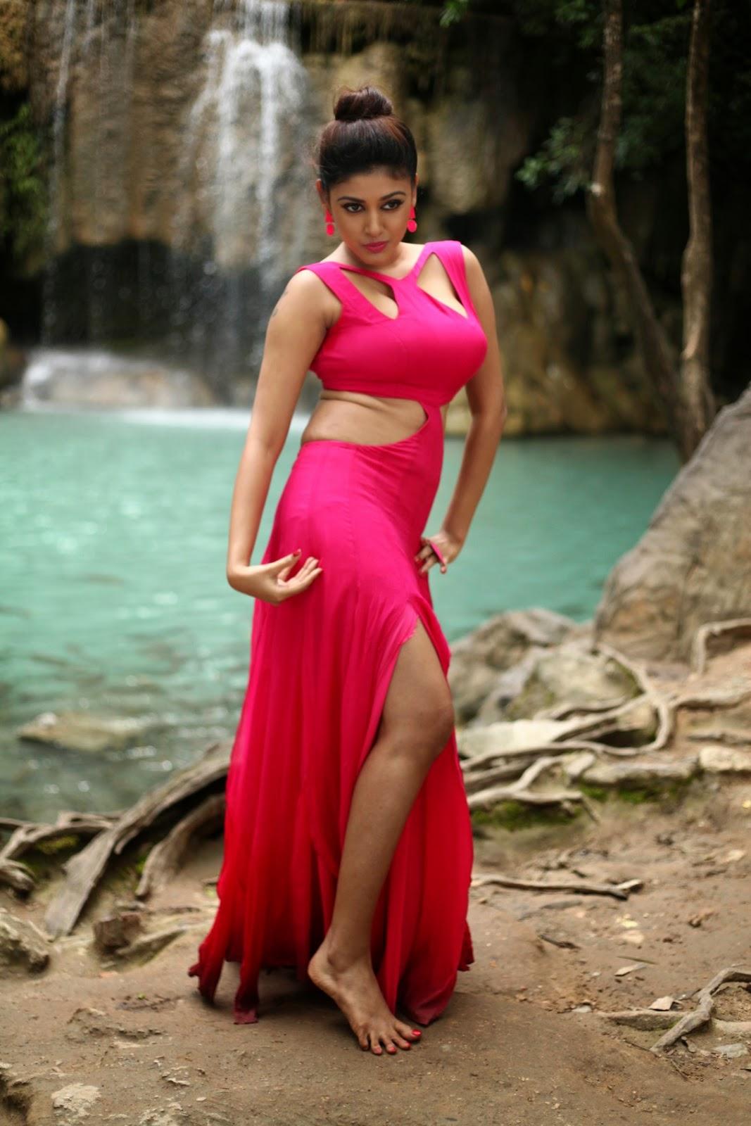 Tanisha singh navel - 1 part 10