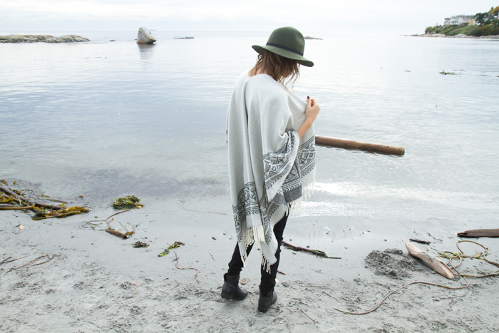 vancouver fashion blogger, Alison Hutchinson, of Styling My Life in a Dynamite Poncho