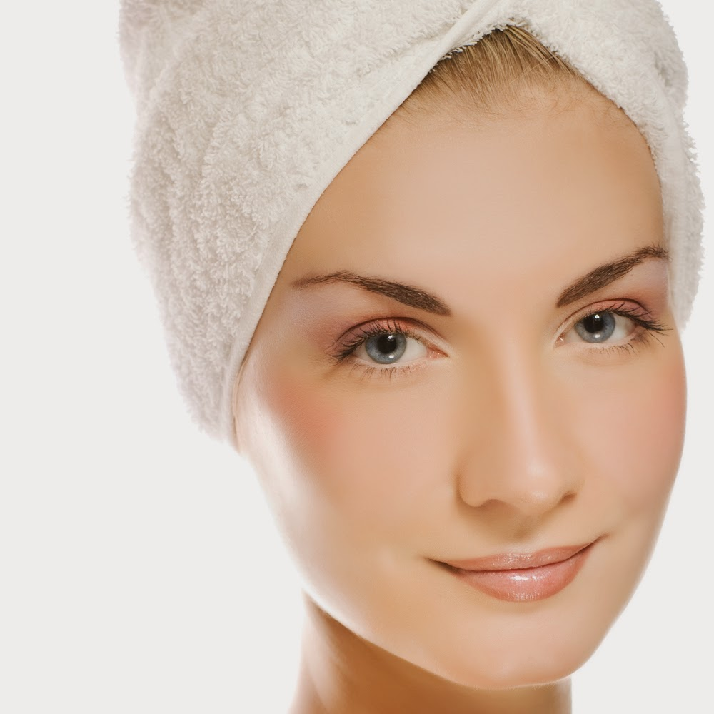 Clear Skin: Home Remedies World: Gets A Clear Skin Using These Three
