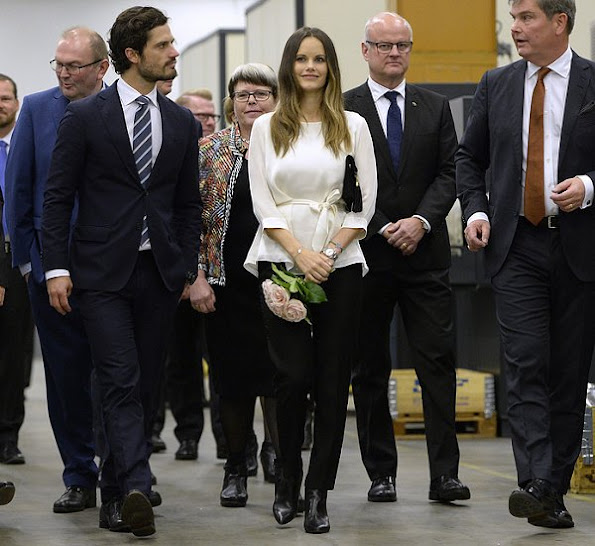Princess Sofia wore Red Valentino Two-Tone Scalloped Tech Jersey Coat. Princess Sofia in Värmland