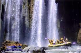 http://www.bromomalang.com/2015/02/paket-wisata-bromo-rafting-pekalen-2.html
