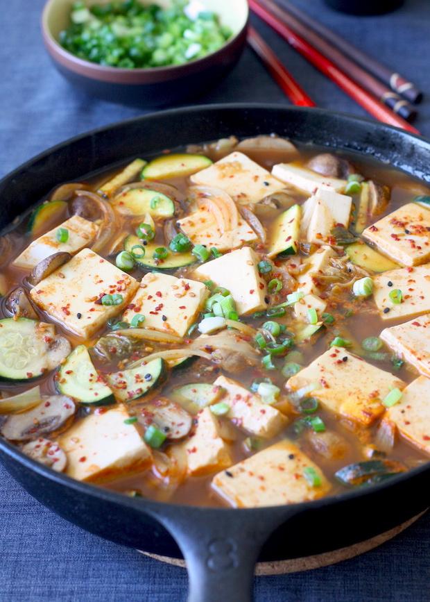 Korean Tofu Stew in Skillet (vegetarian) recipe by SeasonWithSpice.com