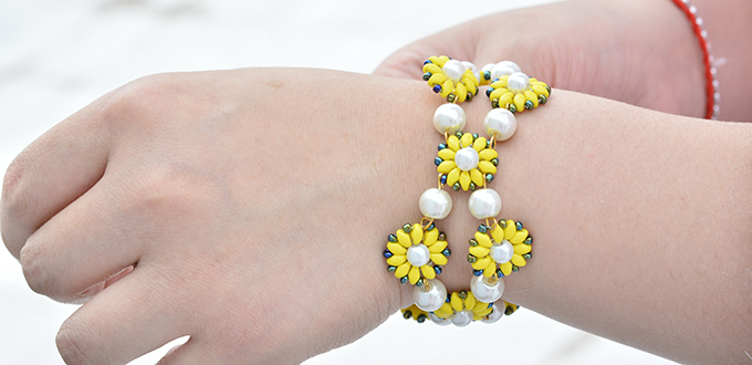 If Yes Follow This Instruction About A Flower Seed Bead Bracelet To Make One Ok Let S Start