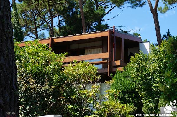 Petit-Piquet - Villa Germain Viala, Impasse des Pointe-aux-Cheveaux  Architecte: Adrien Courtois, Pierre Lajus, Yves Salier  Construction: 1968