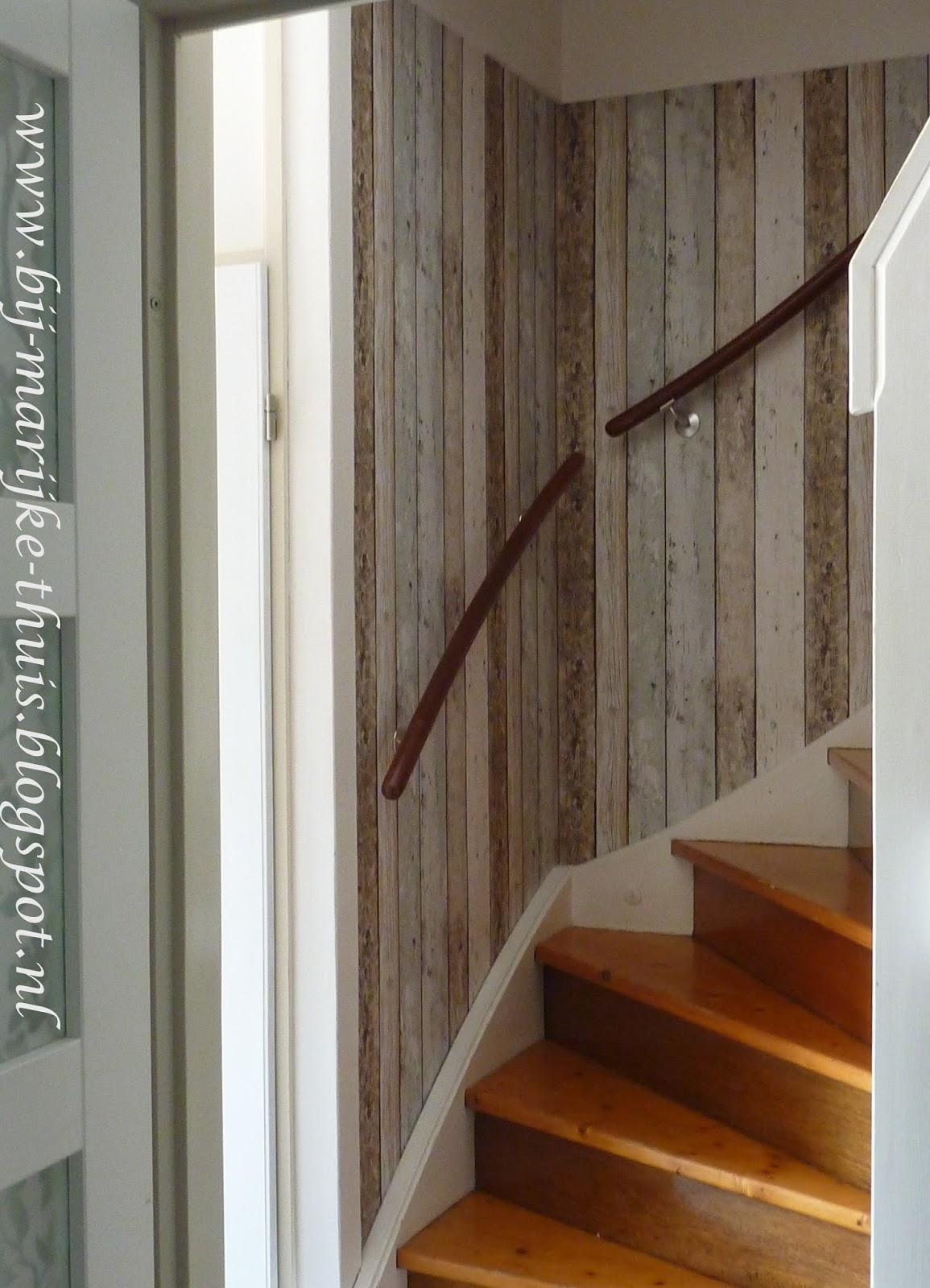 bij marijke thuis het trapgat en de hal boven zijn
