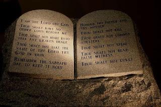 Obedecendo Aos Mandamentos de Deus