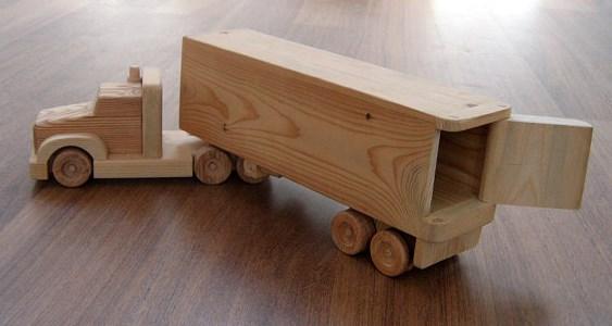 miniatur truk kayu kontainer