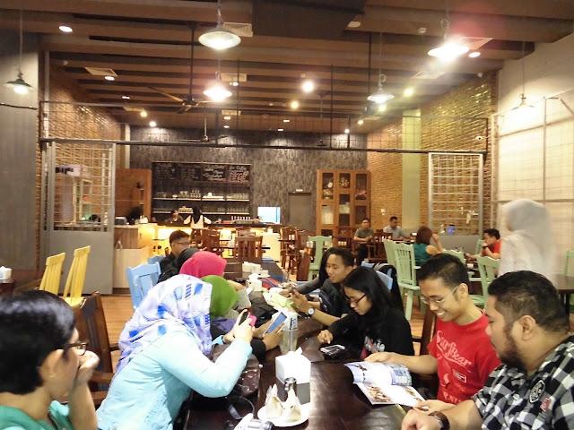 Café Asyik Di Medan Buat Malam Mingguan