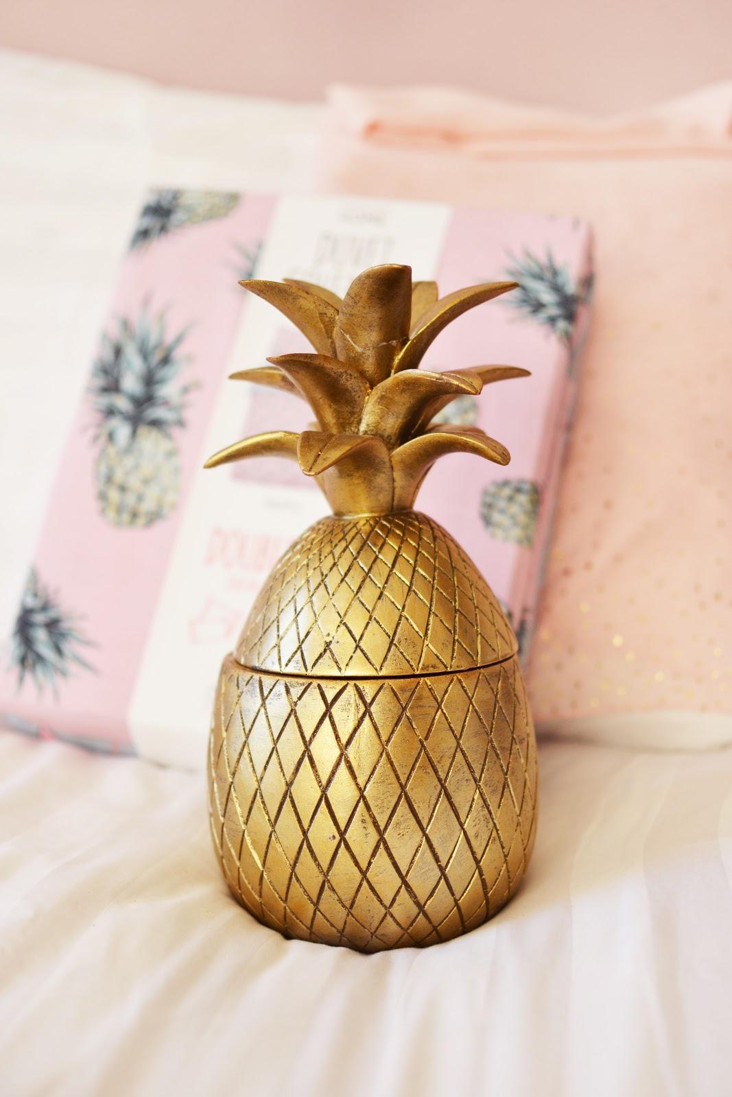 golden pineapple ornament homeware
