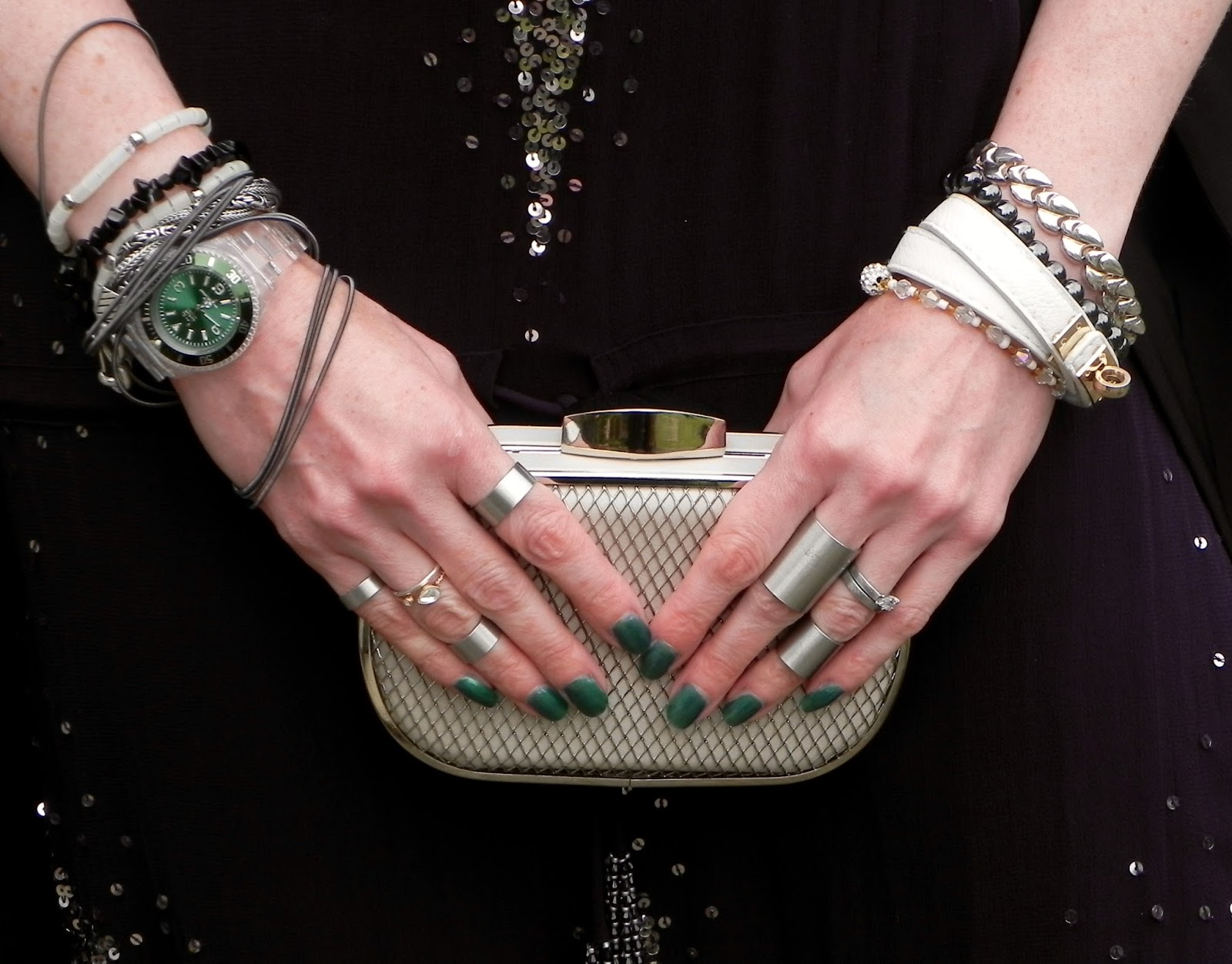 Clutch bag a multi rings, midi rings.