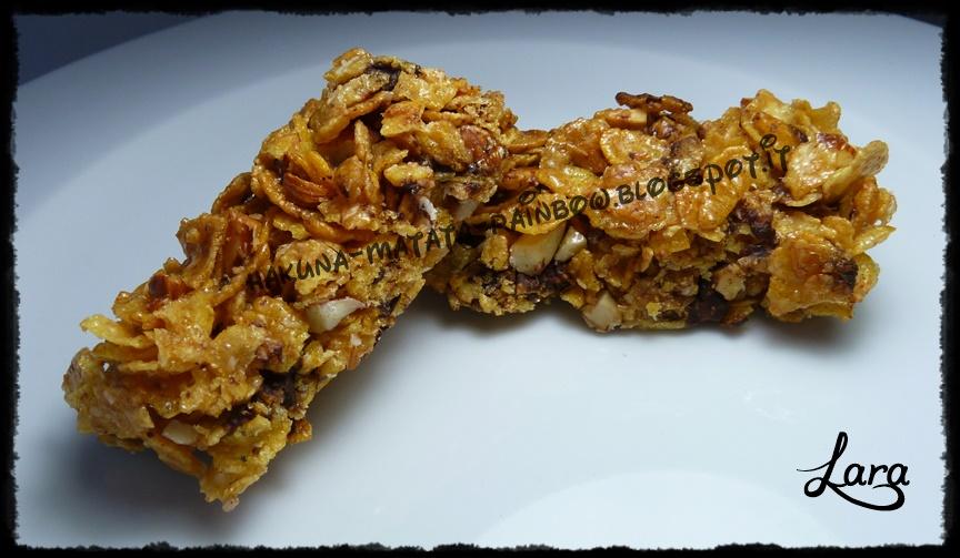 http://cucinaconlara.blogspot.it/2015/02/barrette-ai-cereali.html