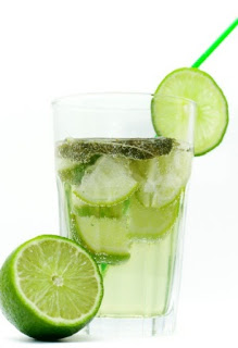 health-benefits-of-drinking-lemon-water-daily