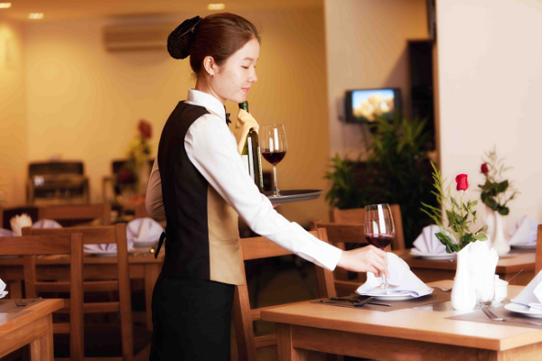 Đồng phục nhân viên nhà hàng phong cách Âu