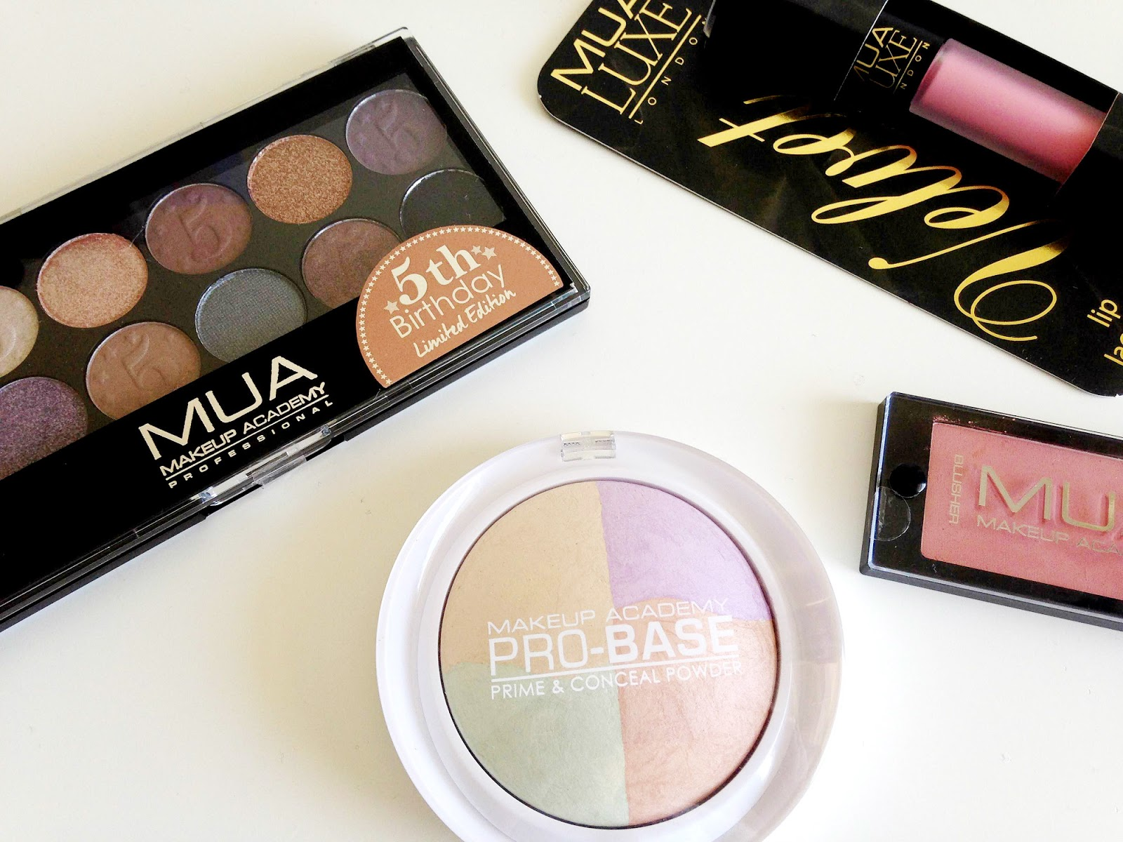 Free MUA Limited Edition Eyeshadow Palette
