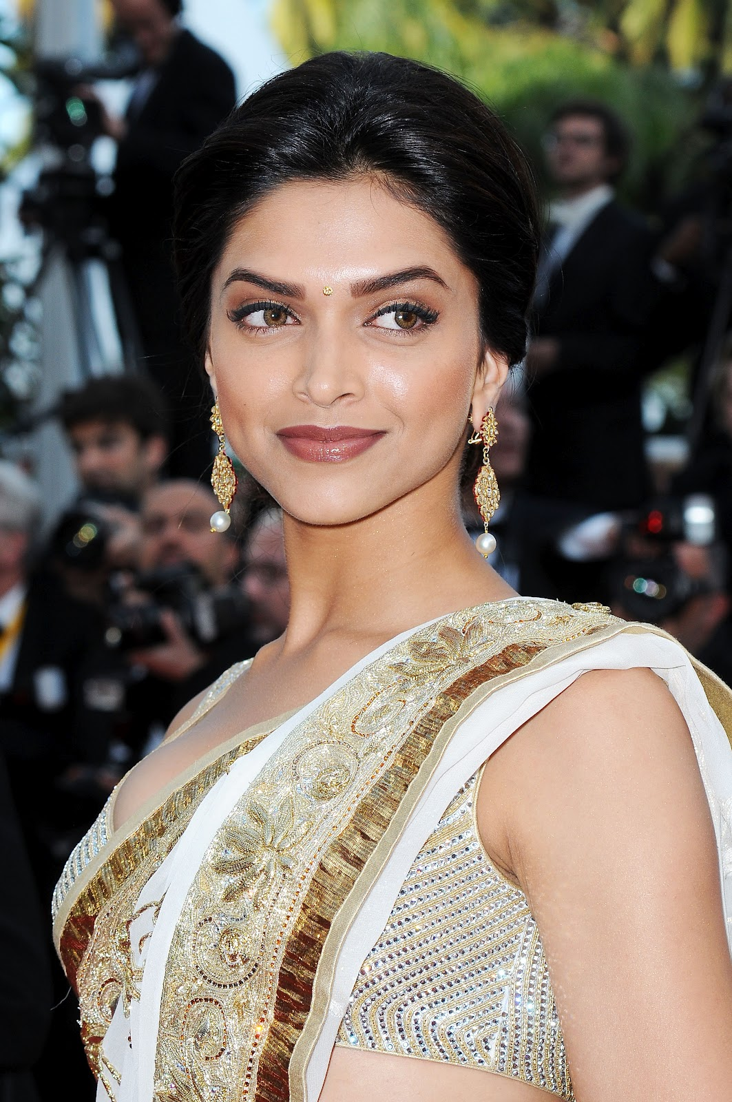 High Quality Bollywood Celebrity Pictures Deepika -6179