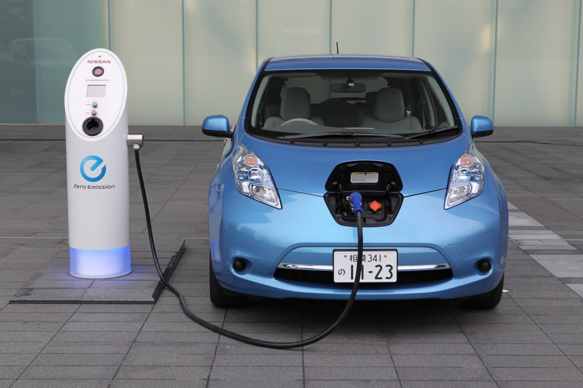 nissan starts refabricating leaf batteries