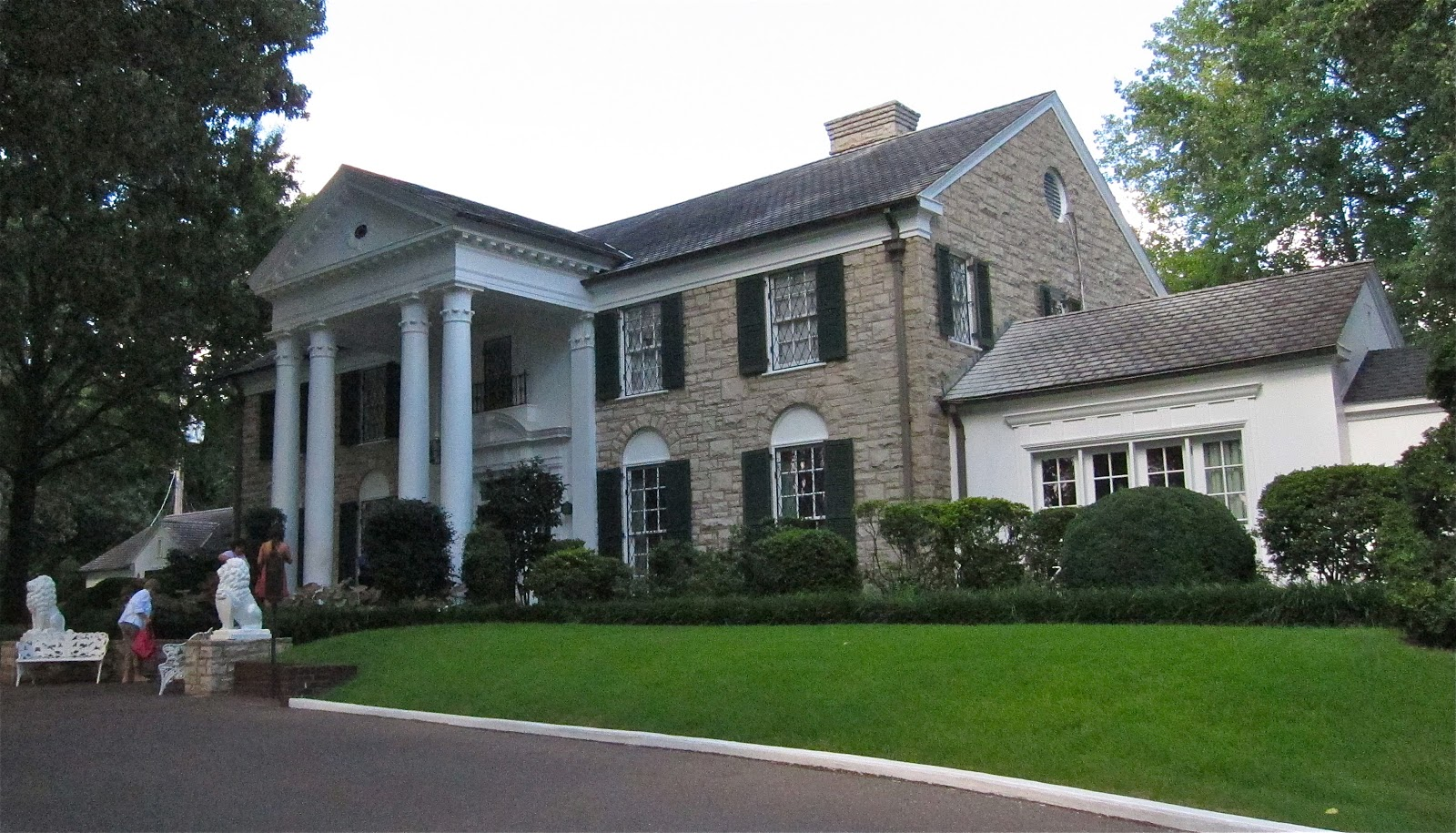Sweet Southern Days: Graceland ~ The Home of Elvis Presley