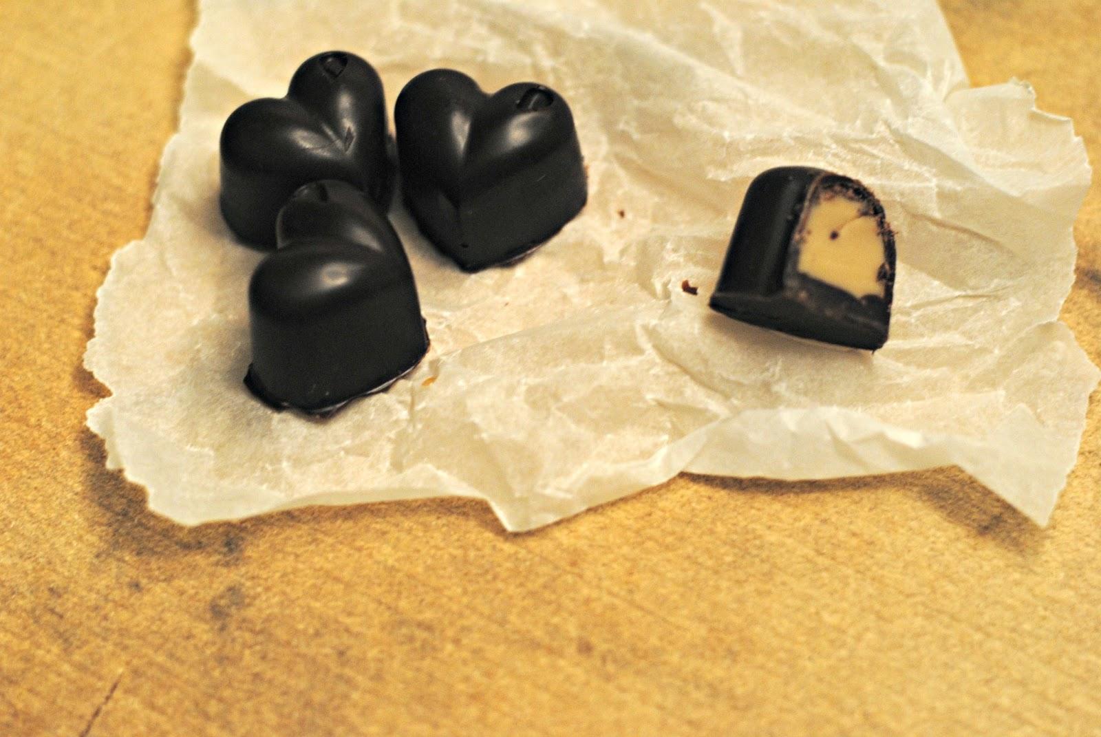 Bülow Lakrids Opskrifter anne's hyggested: fyldte chokolader med hvidchokolade/lakrids ganache