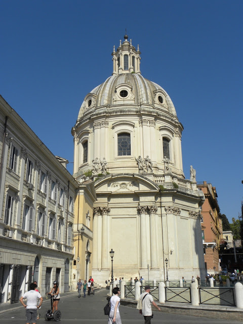 Piazza Venezia Maria Church