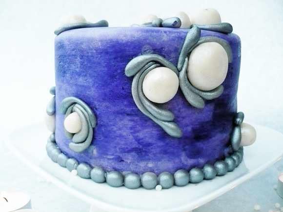 paarse verjaardagstaart