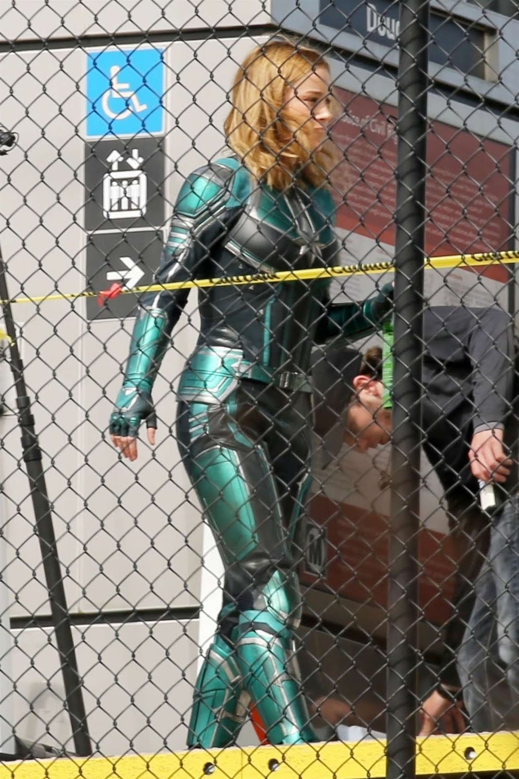 Brie-Larson_-On-the-set-of-Captain-Marve