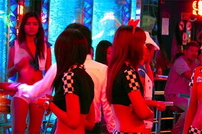 soi cowbow bar girls