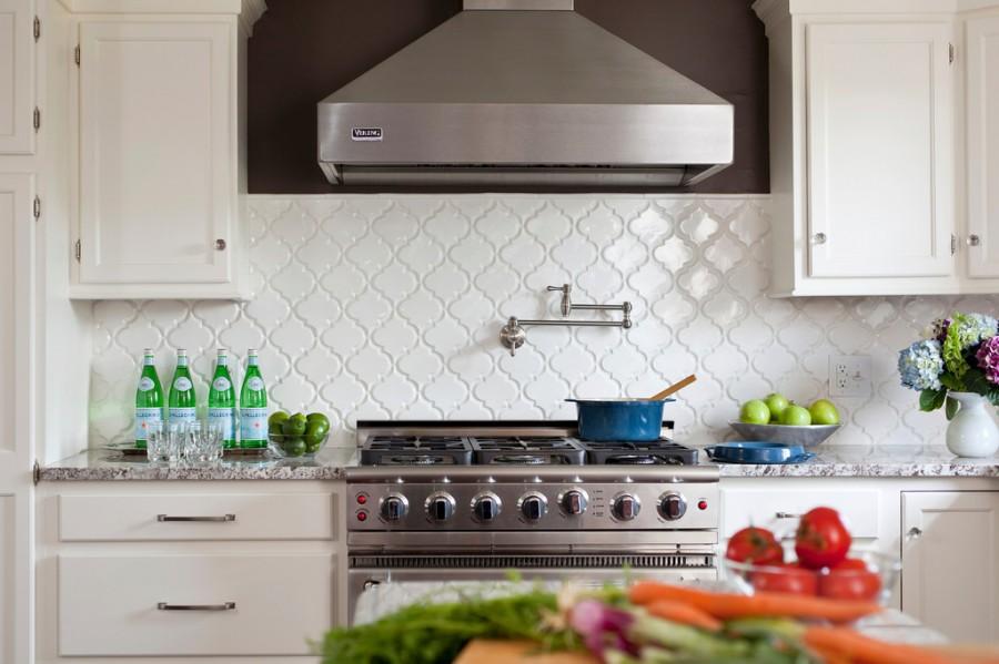 White Kitchen Backsplash Tiles: Courtney Lane: Arabesque Tile