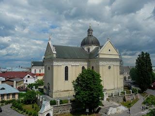 Жовква. Площа Вічева. Костел св. Лаврентія. 1618 р.