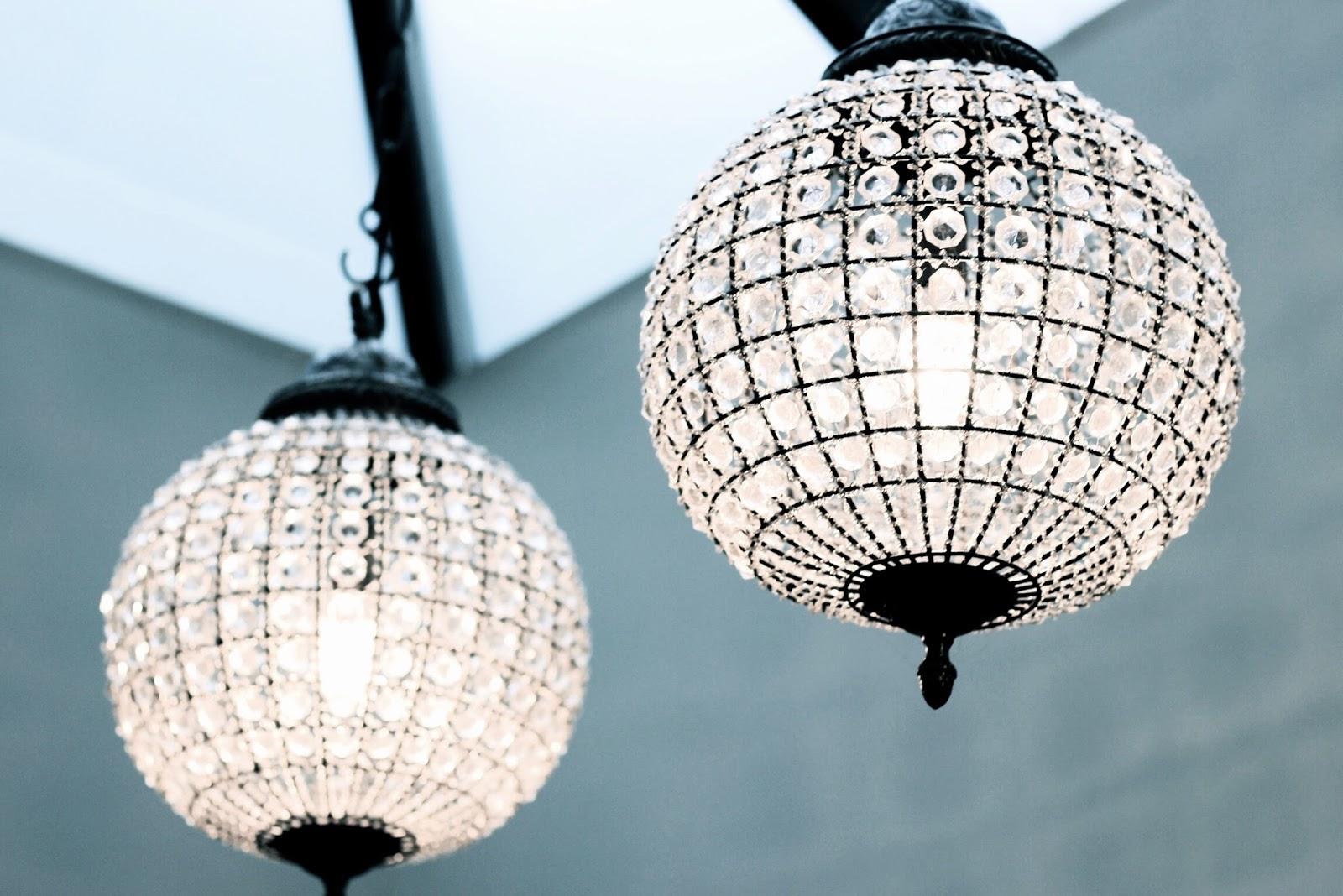 Modern cage sphere lighting